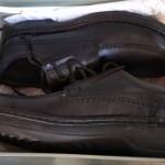 Gran cantidad de zapatos de cuero
